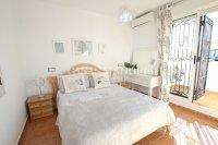 Stylish 3 Bed Townhouse with Designer Interior!  (18)
