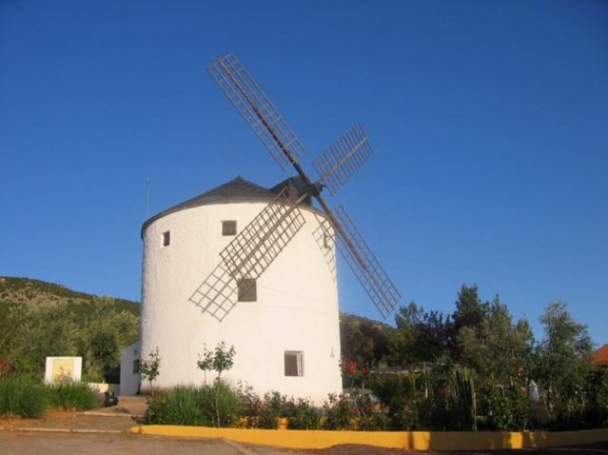 Stunning Windmill with Adjoining Building