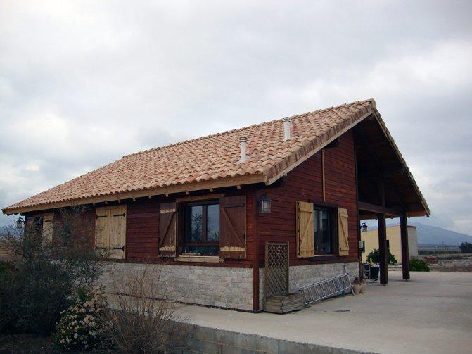 Tempting wooden villa