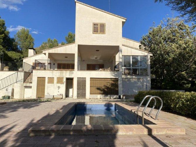 Five bedroom Villa with Rent to Buy Option