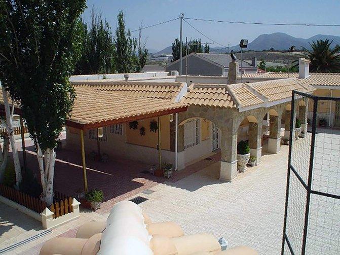 Villa in Sax