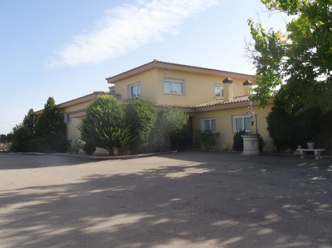 Villa - Yecla