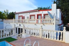 9 Bedroom Villa in town centre 40 minutes from Alicante