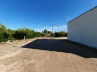 Large Plot with House outside Pinoso