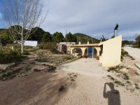 Cave House in La Romaneta