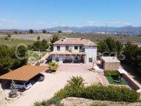 Outstanding Contemporary Villa