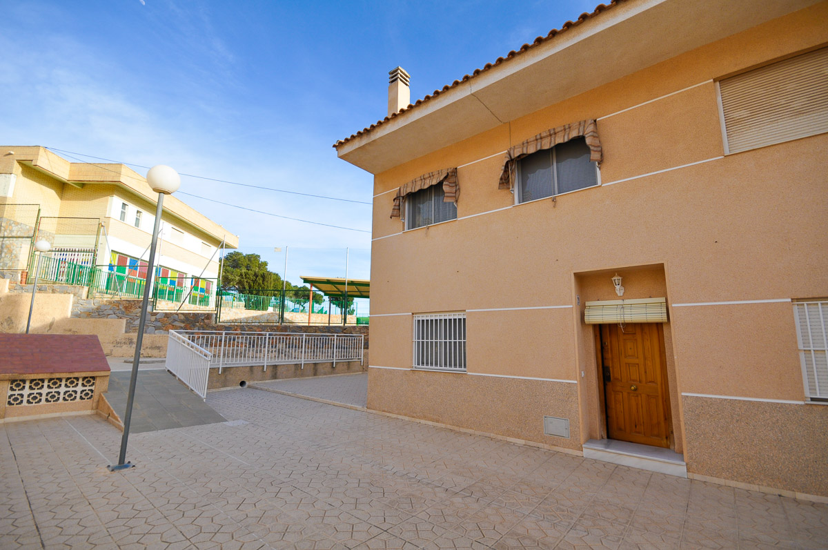Ref:GA-58978 Townhouse For Sale in Santa Pola