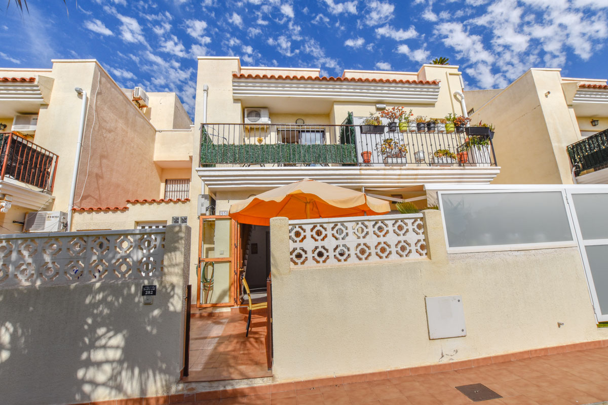 Ref:GA-61119 Townhouse For Sale in Gran Alacant