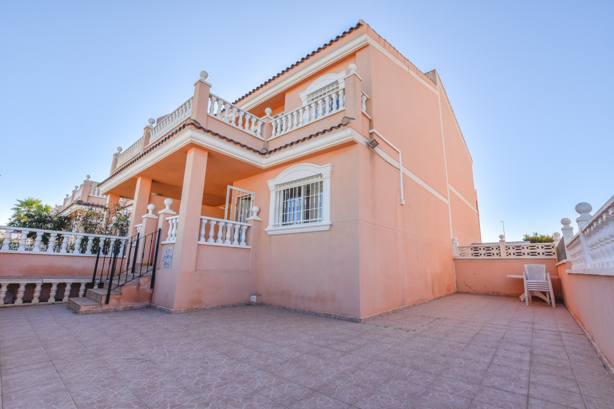Ref:GA-28056 Townhouse For Sale in Gran Alacant