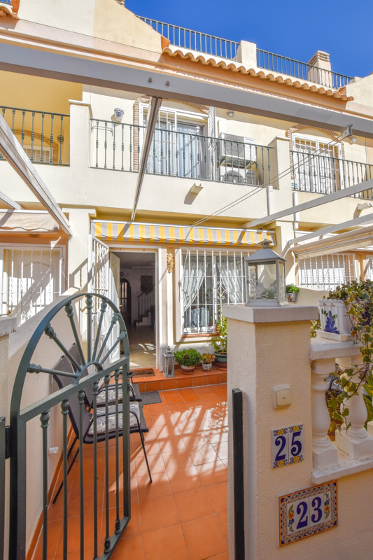 Ref:GA-71091 Townhouse For Sale in Gran Alacant