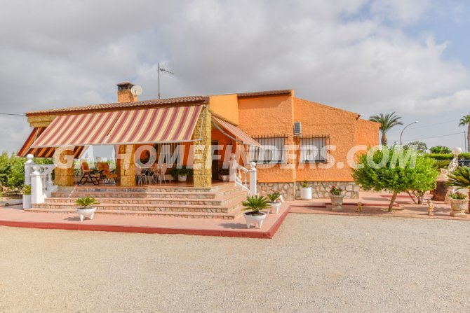 Detached Villa in Valverde