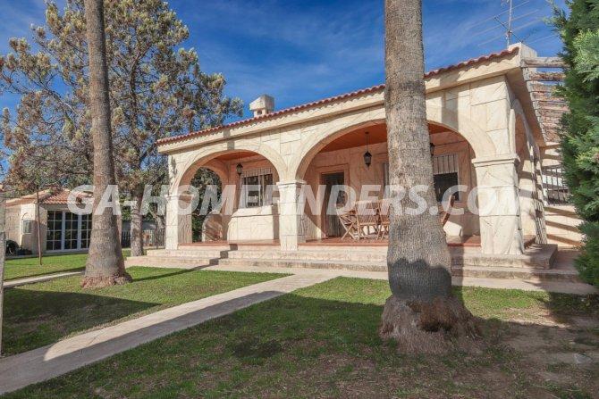 Detached Villa in Perleta