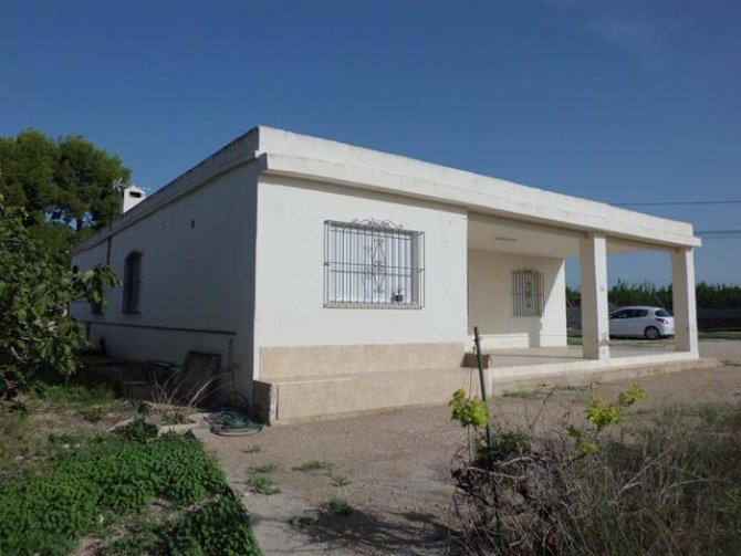 5 bedroom Finca in Albatera, only 128,000€
