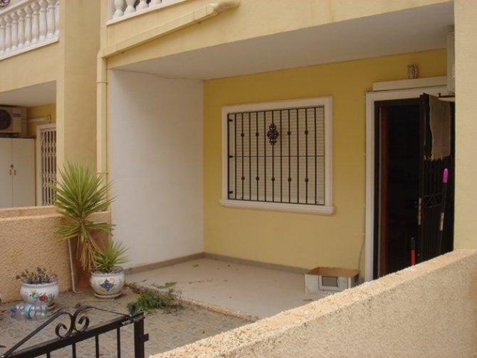 LL 838 Los Palacios apartment