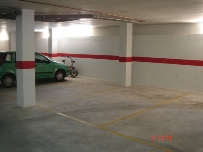 Garage space, Catral