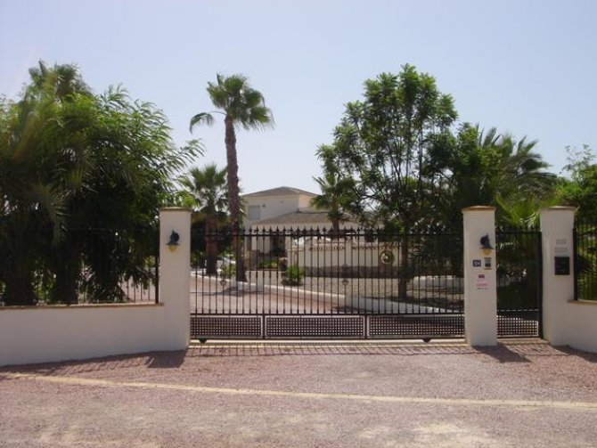 Property of the month. & bed villa in Catral for long term rental.