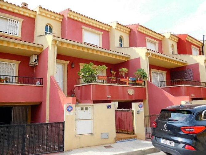 Spacious 3 bedroom Townhouse in Catral