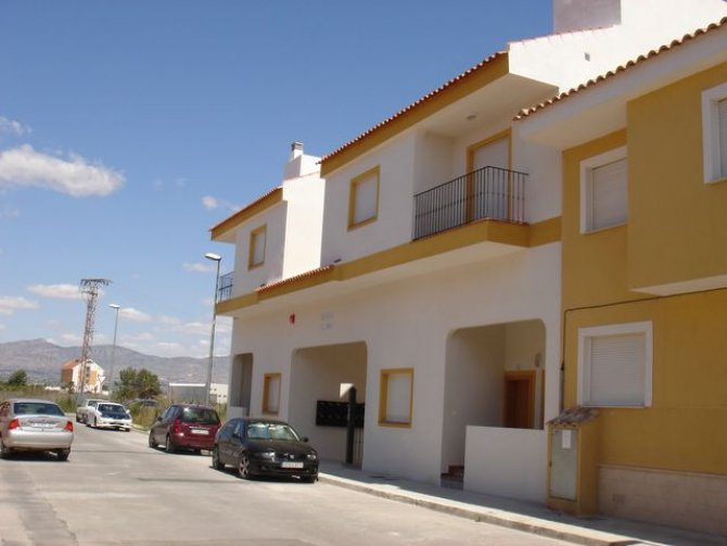 RS1169 Duplex apartment in Catral with independent garage.