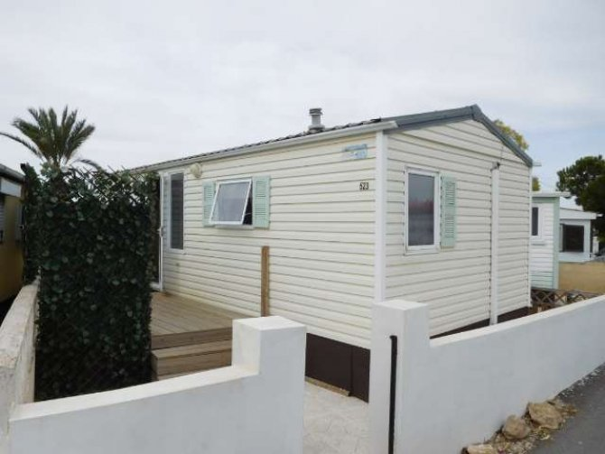 RS1330 Mobile home on freehold plot