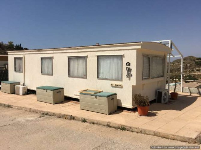 2 bed, mobile home by the sea