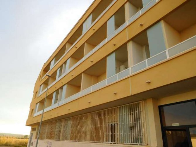 New Almoradi 2 bed 2 bath apartment for long term rental