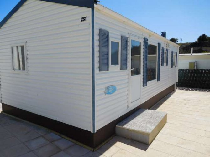 3 bedroom mobile home, with sea views