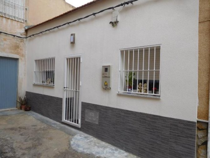 Ground floor 2 bedroom apartment in Catral