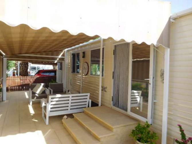 Amazing 2 bed ABI Derwent Mobile Home on established plot