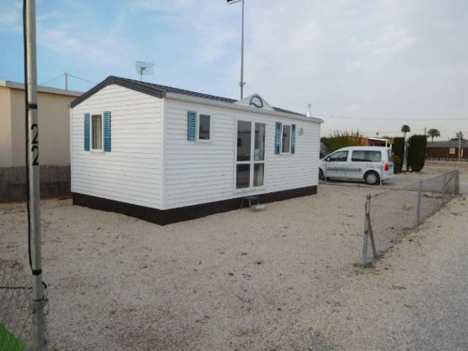 2 bedroom mobile home for long term rental.
