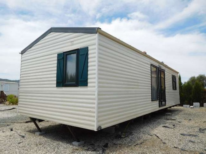 Fantastic value for money, 3 bed 1 bath Willerby Monaco Deluxe