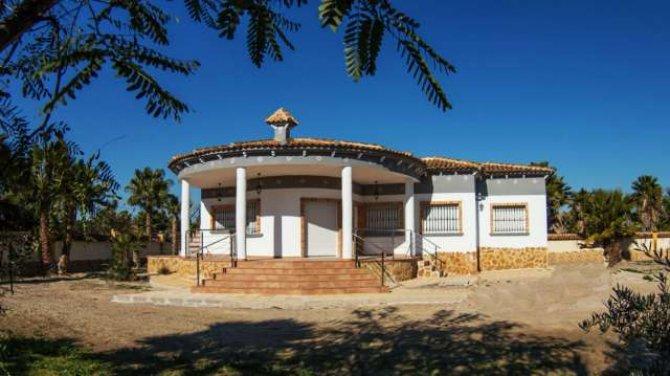 3 bedroom unfurnished villa in Catral for long term rental