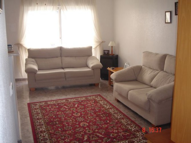 REDUCED Central plaza apartment, Catral