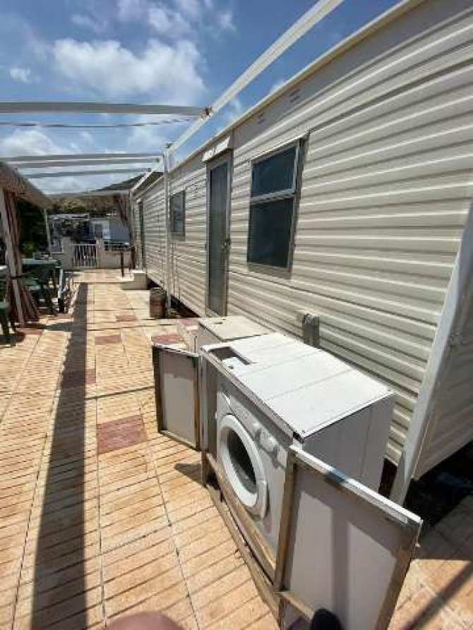 Great priced 2 bed mobile home near the sea