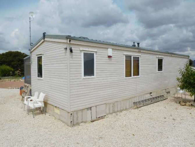 Mobile Home with 4,500m2 plot of land