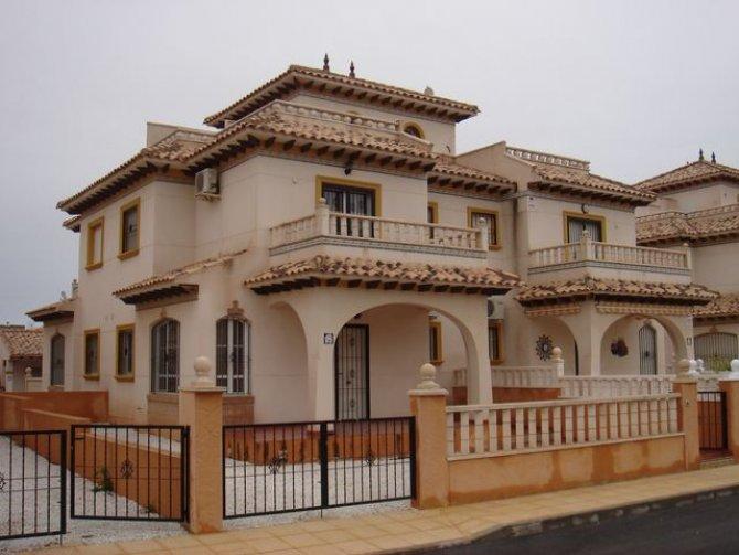 LL 635 Cabo roig quad house