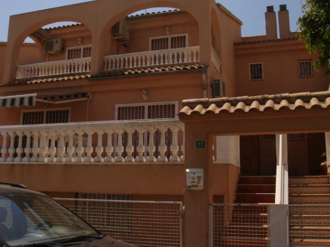 Rafael Alberti townhouse, Catral