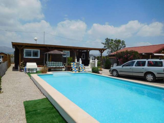 Fantastic Mobile home with private swimming pool