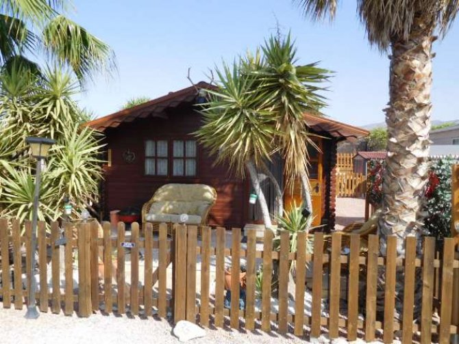 RS499 Log Cabin The Palms Residential site