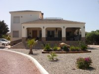 Property of the month. & bed villa in Catral for long term rental. (1)