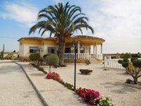 Stunning 4 bedroom Villa (1)