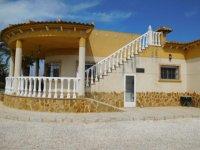 Stunning 4 bedroom Villa (7)
