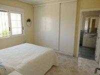 Stunning 4 bedroom Villa (15)
