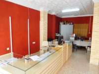 Lock up shop and apartment in Catral (2)