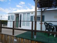 Great 2 bed Willerby Cottage with decking (0)