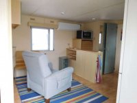 Great 2 bed Willerby Cottage with decking (8)