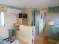 Great 2 bed Willerby Cottage with decking (9)