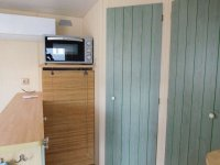 Great 2 bed Willerby Cottage with decking (12)