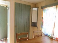 Great 2 bed Willerby Cottage with decking (19)