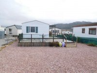 Great 2 bed Willerby Cottage with decking (20)
