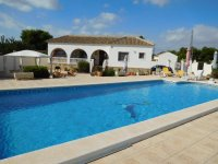 LL1117 Detached villa with pool, Catral (0)